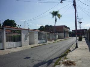 Casa En Venta En Maracay - Santa Rita Código FLEX: 18-12635 No.15