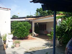 Casa En Venta En Maracay - Santa Rita Código FLEX: 18-12635 No.16