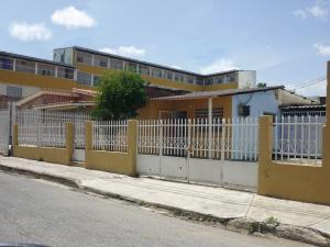 En Venta En Maracay - Santa Rita Código FLEX: 18-12896 No.0