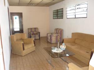 En Venta En Maracay - Santa Rita Código FLEX: 18-12896 No.2