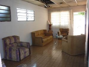 En Venta En Maracay - Santa Rita Código FLEX: 18-12896 No.3