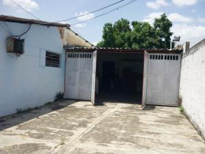 En Venta En Maracay - Santa Rita Código FLEX: 18-12896 No.16