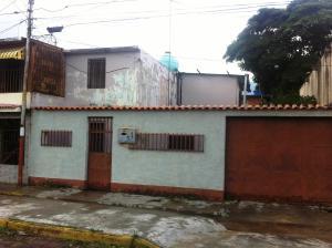 Casa En Venta En Maracay - Cana de Azucar Código FLEX: 18-13095 No.0