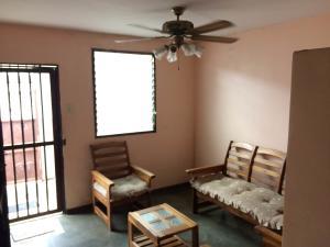 Casa En Venta En Maracay - Cana de Azucar Código FLEX: 18-13095 No.2