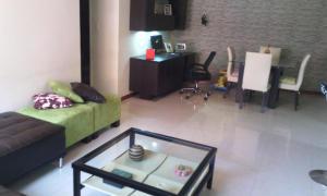 Apartamento En Venta En Caracas - Los Chorros Código FLEX: 18-13341 No.1