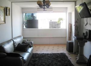 Apartamento En Venta En Maracay - Avenida Bolivar Código FLEX: 18-13348 No.12