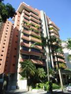 Apartamento En Venta En Caracas - El Rosal Código FLEX: 18-13751 No.0