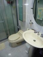 Apartamento En Venta En Caracas - El Rosal Código FLEX: 18-13751 No.8