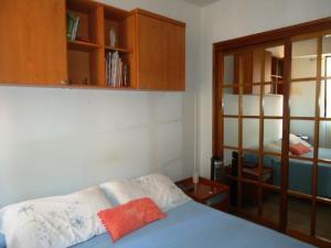 Apartamento En Venta En Caracas - El Rosal Código FLEX: 18-13751 No.10