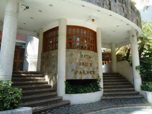 Apartamento En Venta En Caracas - El Rosal Código FLEX: 18-13751 No.13