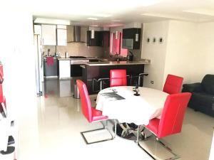 Apartamento En Venta En Maracay - Base Aragua Código FLEX: 18-14465 No.5