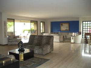 Apartamento En Venta En Caracas - Los Dos Caminos Código FLEX: 18-14619 No.4