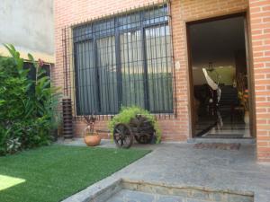 Casa En Venta En Caracas - Macaracuay Código FLEX: 18-13993 No.1