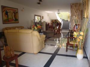 Casa En Venta En Caracas - Macaracuay Código FLEX: 18-13993 No.2