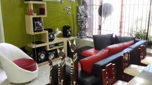 Apartamento En Venta En Caracas - El Paraiso Código FLEX: 18-14370 No.2
