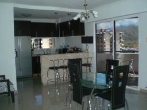 Apartamento En Venta En Maracay - San Jacinto Código FLEX: 18-14655 No.1