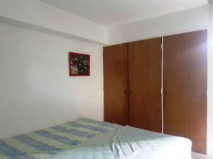 Apartamento En Venta En Caracas - Los Chorros Código FLEX: 18-14903 No.8