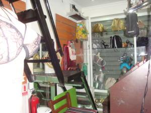 Local Comercial En Venta En Maracay - El Centro Código FLEX: 18-14979 No.4