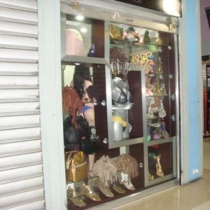 Local Comercial En Venta En Maracay - El Centro Código FLEX: 18-14979 No.2