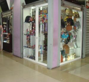 Local Comercial En Venta En Maracay - El Centro Código FLEX: 18-14979 No.3
