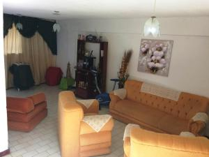 En Venta En Maracay - Barrio San Rafael Código FLEX: 18-15343 No.3
