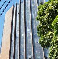 Oficina En Venta En Caracas - Los Dos Caminos Código FLEX: 18-15419 No.0