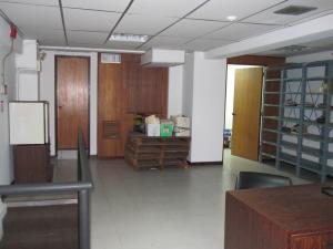 Local Comercial En Venta En Caracas En Las Acacias - Código: 18-15516