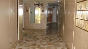 Apartamento En Venta En Caracas - Caurimare Código FLEX: 18-13824 No.3