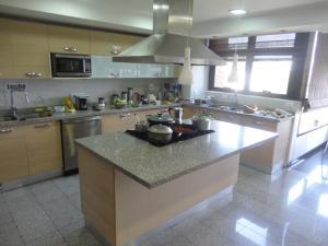 Apartamento En Venta En Caracas - Los Chorros Código FLEX: 18-15285 No.9
