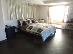 Apartamento En Venta En Caracas - Los Chorros Código FLEX: 18-15285 No.12