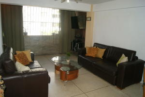 Apartamento En Venta En Caracas - San Bernardino Código FLEX: 18-15480 No.3