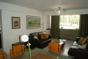 Apartamento En Venta En Caracas - San Bernardino Código FLEX: 18-15480 No.1