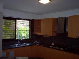 Apartamento En Alquiler En Caracas - Lomas de La Alameda Código FLEX: 18-15687 No.7