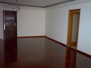 Apartamento En Alquiler En Caracas - Lomas de La Alameda Código FLEX: 18-15687 No.3