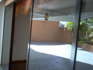 Apartamento En Alquiler En Caracas - Lomas de La Alameda Código FLEX: 18-15687 No.16