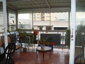 Apartamento En Venta En Caracas - Altamira Sur Código FLEX: 18-15723 No.3