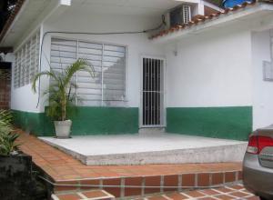 Casa En Venta En Maracay - El Castano (Zona Privada) Código FLEX: 18-15794 No.2