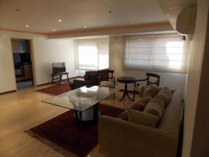 Apartamento En Venta En Caracas - El Rosal Código FLEX: 18-16332 No.1