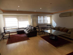 Apartamento En Venta En Caracas - El Rosal Código FLEX: 18-16332 No.2