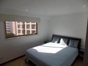 Apartamento En Venta En Caracas - El Rosal Código FLEX: 18-16332 No.9