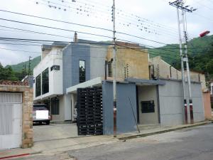 Townhouse En Venta En Maracay - El Limon Código FLEX: 18-15976 No.0