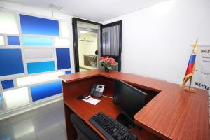 En Alquiler En Caracas - Los Palos Grandes Código FLEX: 18-16966 No.2