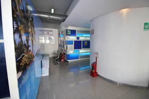 En Alquiler En Caracas - Los Palos Grandes Código FLEX: 18-16966 No.5