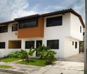 Casa En Venta En Maracay - La Morita Código FLEX: 17-5927 No.0