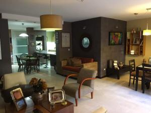 Casa En Venta En Caracas - Sebucan Código FLEX: 18-16445 No.1