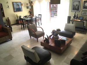 Casa En Venta En Caracas - Sebucan Código FLEX: 18-16445 No.2
