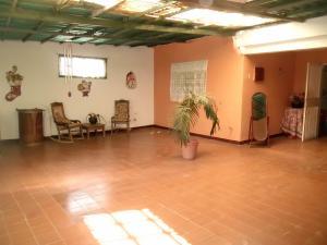 Casa En Venta En Maracay - Santa Rita Código FLEX: 18-16629 No.2