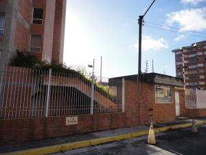 Apartamento En Venta En Caracas - Miravila Código FLEX: 18-16913 No.1