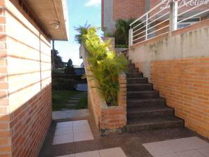 Apartamento En Venta En Caracas - Miravila Código FLEX: 18-16913 No.2