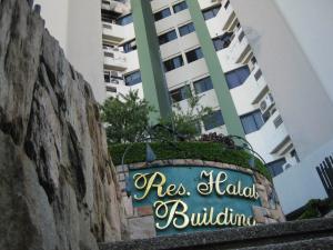 Apartamento En Venta En Maracay - La Arboleda Código FLEX: 18-16943 No.0